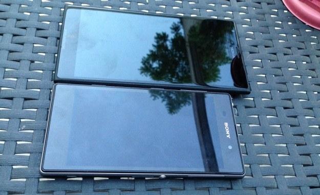 Nokia Lumia 1520 i Sony Xperia Z.    Fot. The Verge /materiały prasowe