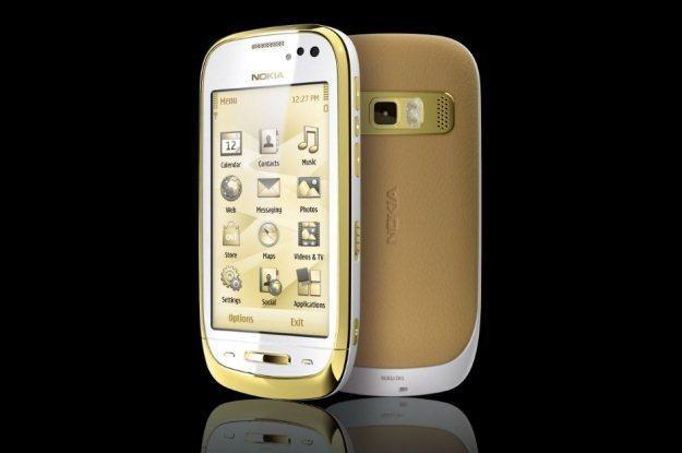 Nokia Oro - telefon z szafirem /materiały prasowe