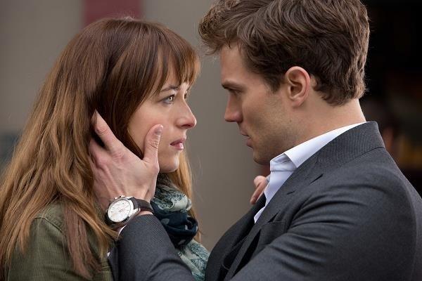 """Nominowani Dakota Johnson i Jamie Dornan w """"Pięćdziesięciu twarzach Grey'a"""" /materiały dystrybutora"""