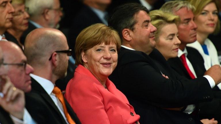 Norbert Lammert i Angela Merkel /AFP