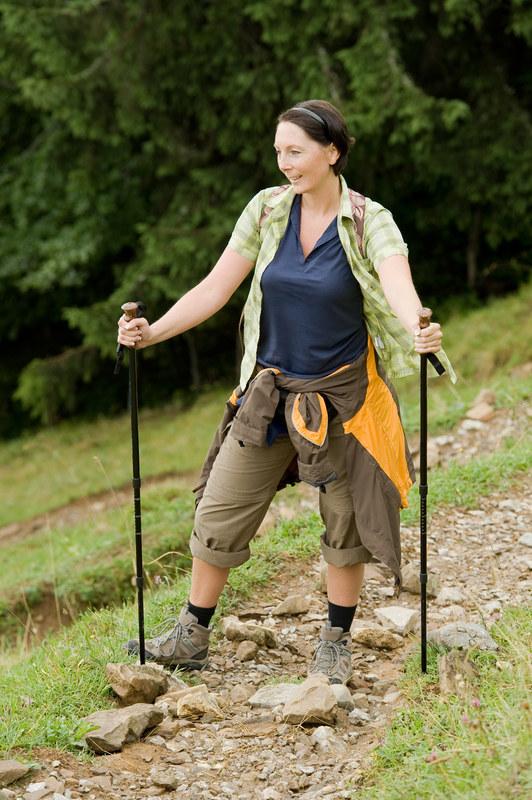 Nordic walking jest polecany dla osób w każdym wieku  /© Panthermedia