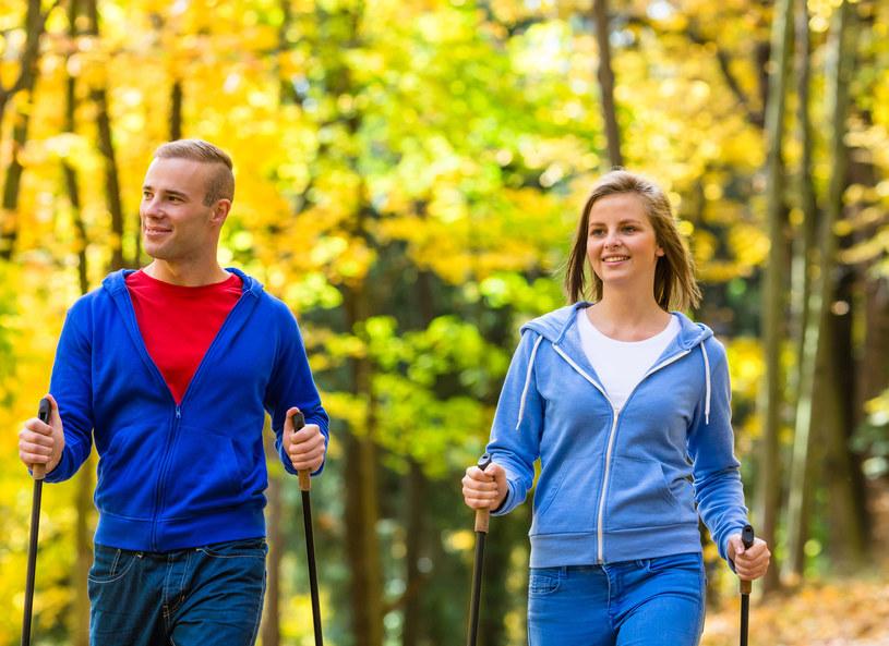 Nordic Walking - sport dla każdego /123RF/PICSEL