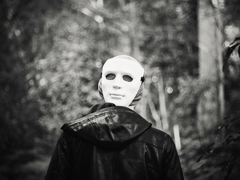 Normalność to idealna maska... /123RF/PICSEL