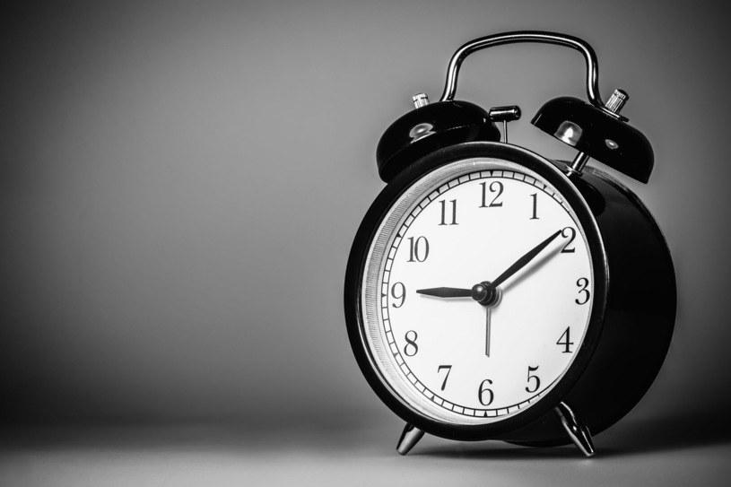 Normy czasu pracy są jednakowe dla pracowników zatrudnionych na pełny etat /AFP