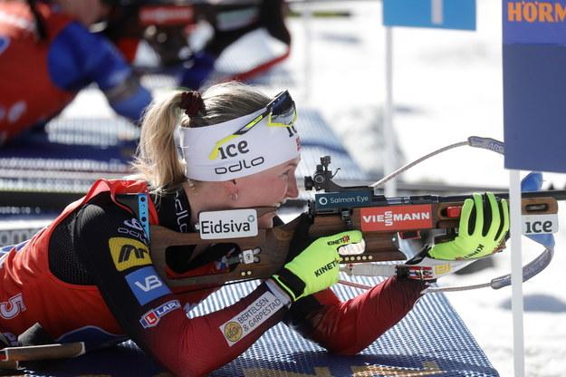 Norweżka Marte Olsbu Roeiseland podczas zawodów /ANTONIO BAT /PAP/EPA