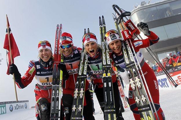 Norweżki zapowiadają zażartą walkę w biegu na 30 km /AFP