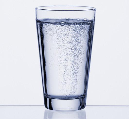 Noś przy sobie zawsze choć małą butelkę wody mineralnej  /© Panthermedia