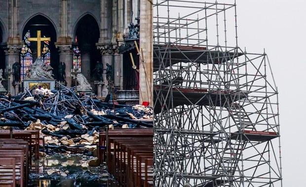 Notre Dame po pożarze. Ogień został zaprószony przez przypadek [ZAPIS RELACJI]