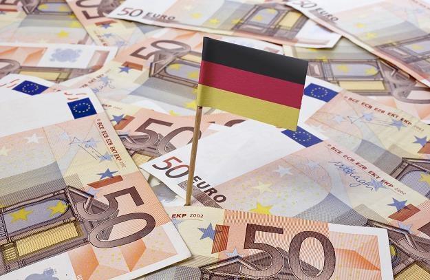 """Nowa """"Czarna księga"""" Związku Podatników RFN dokumentuje przykłady marnotrawstwa podatków /©123RF/PICSEL"""