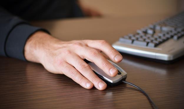Nowa dyrektywa ma zmienić zasady publikowania i monitorowania treści w internecie /© Panthermedia