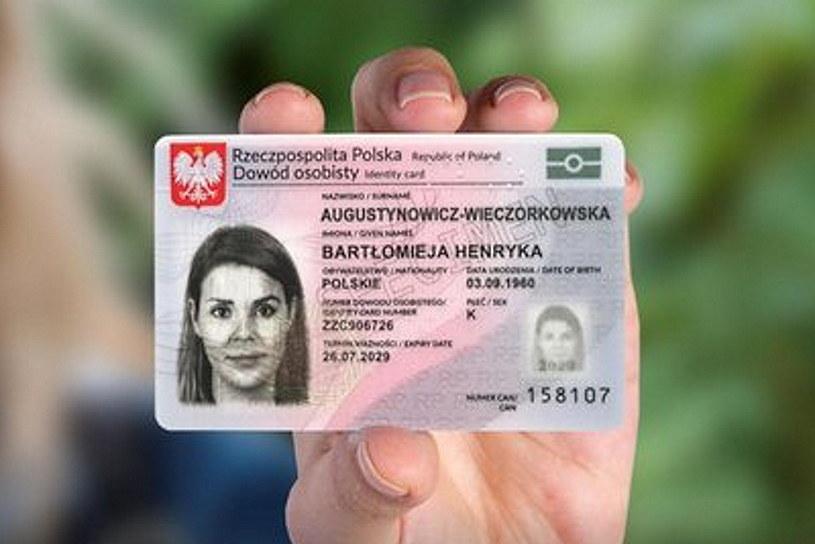 """""""Nowa generacja"""" dowodów powoli staje się faktem. Fot.  Gov.pl /materiały prasowe"""