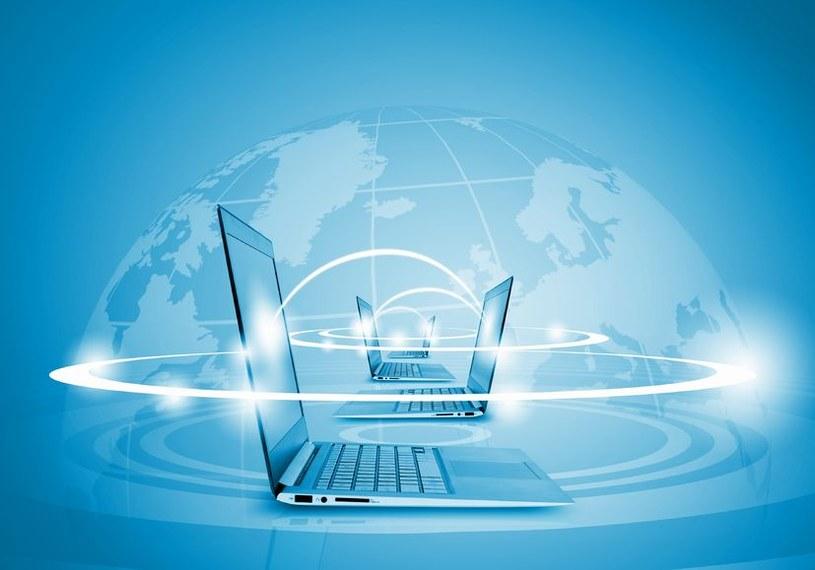 Nowa superszybka sieć pozwala na synchronizację urządzeń oddalonych od siebie o prawie 5000 km /123RF/PICSEL