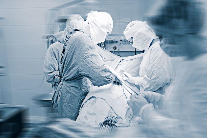 Nowa technika zostanie przestowana na 10 pacjentach, później na stałe może zagościć w szpitalach /123RF/PICSEL