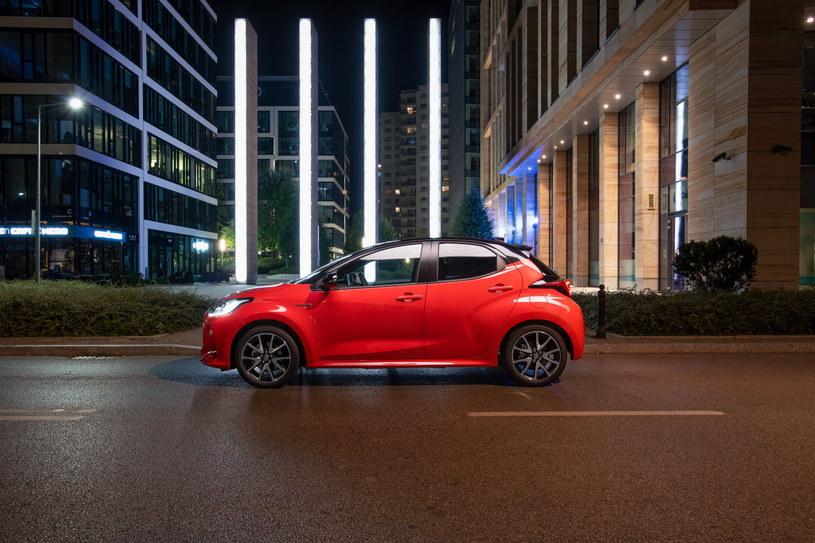Nowa Toyota Yaris Hybrid łączy oszczędne spalanie z dynamiką jazdy /materiały prasowe