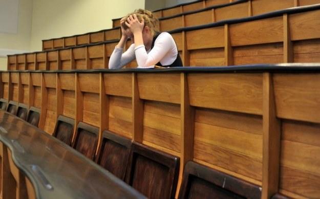 Nowa ustawa prawdopodobnie pozbawi tysiące studentów prawa do stypendium naukowego, fot. Lech Gawuc /Reporter
