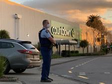 Nowa Zelandia: Zastrzelony minutę po ataku. Napastnik był ekstremistą