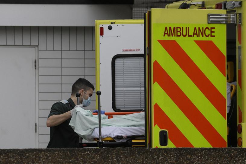 Nowe badanie może wyjaśnić, dlaczego COVID-19 niszczy płuca /AP Photo/Kirsty Wigglesworth /East News