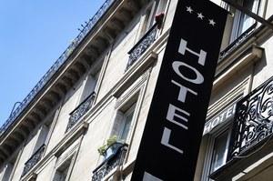 Nowe decyzje w sprawie obostrzeń. Hotele zamknięte do 3 maja