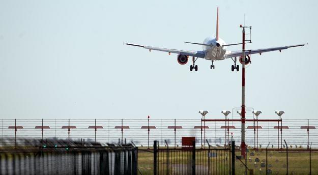 Nowe lotnisko ma przejąć ruch z dwóch obecnie działających berlińskich portów - Tegel i Schoenefeld /AFP