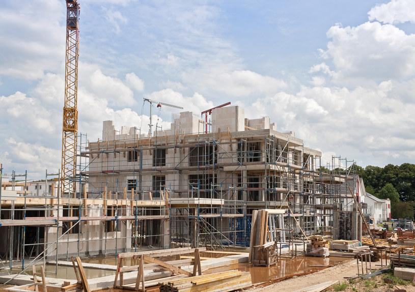 Nowe mieszkania powinny być tańsze o ponad 30 proc. /©123RF/PICSEL