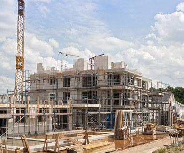 Nowe mieszkania powinny być tańsze o ponad 30 proc.