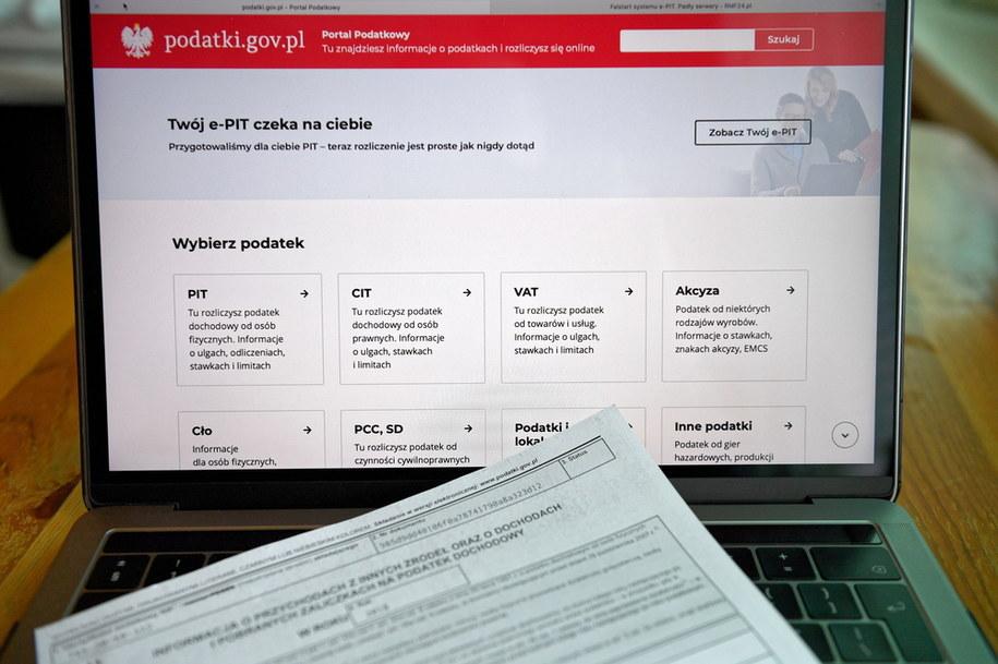 Nowe możliwości w usłudze Twój e-PIT. Początek rozliczeń 15 lutego /Darek Delmanowicz /PAP