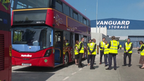 Nowe piętrowe autobusy zasilane wodorem przybyły do Londynu