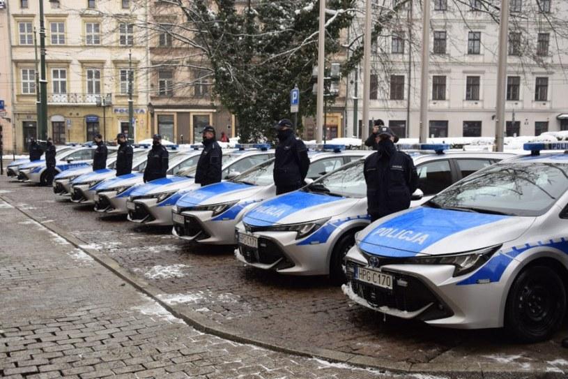 Nowe radiowozy krakowskiej policji /Policja