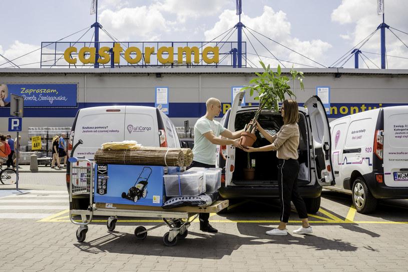 Nowe samochody TrafiCar trafiły pod sklepy Castorama /materiały prasowe