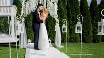 Nowe wytyczne dotyczące wesel. Jak przygotować ślub w plenerze?