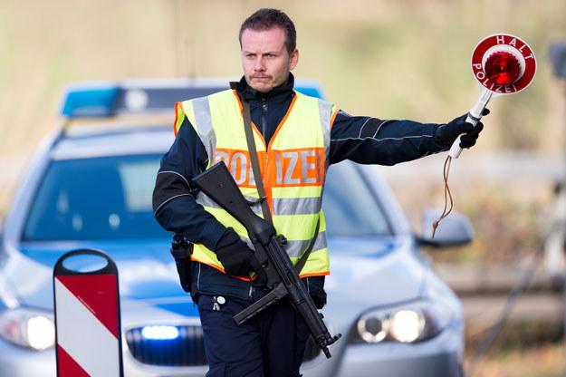 Nowe zarządzenie nie oznacza, że osoby z wymienionych regionów nie mają już możliwości wjazdu do Niemiec /AFP