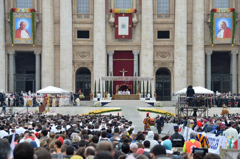 Nowi święci - Jan XXIII i Jan Paweł II /AFP