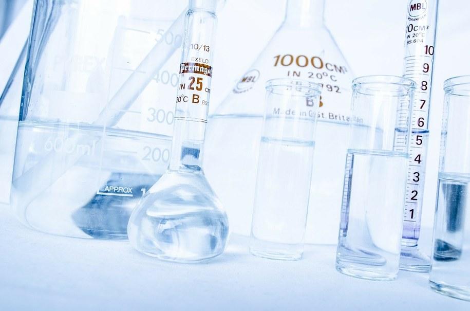 """""""Nowiczoki"""" to środki paralityczno-drgawkowe opracowane w ZSRR w Państwowym Instytucie Naukowo-Badawczym Chemii Organicznej i Technologii w ramach tajnego projektu dot. binarnej broni chemicznej (zdjęcie ilustracyjne) /Pixabay /"""