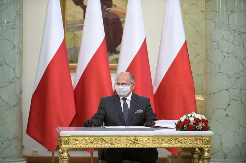 Nowo powołany minister spraw zagranicznych Zbigniew Rau podczas uroczystości w Pałacu Prezydenckim w Warszawie / Marcin Obara  /PAP