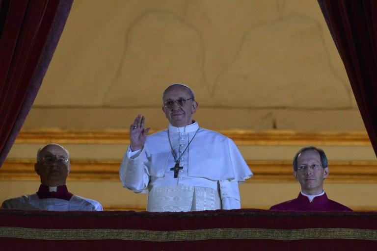 Nowo wybrany papież Franciszek I /AFP