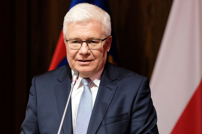 Nowo wybrany prezydent Gliwic Adam Neumann podczas uroczystości ślubowania na urząd prezydenta miasta / Andrzej Grygiel    /PAP