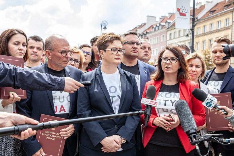 Nowoczesna po wyjściu ze Zgromadzenia Narodowego /Grzegorz Banaszak /Reporter