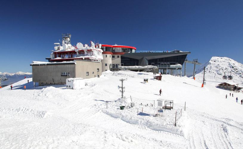 Nowoczesne kolejki linowej w ośrodku narciarskim Jasna w Tatrach Niskich /123RF/PICSEL