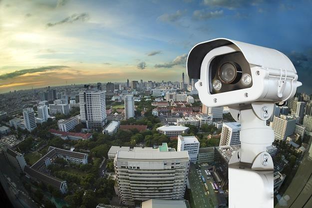 Nowoczesne systemy miejskie dotyczą monitoringu i oświetlenia /Newseria Biznes
