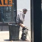 Nowojorscy policjanci fotografują bezdomnych. W jakim celu?