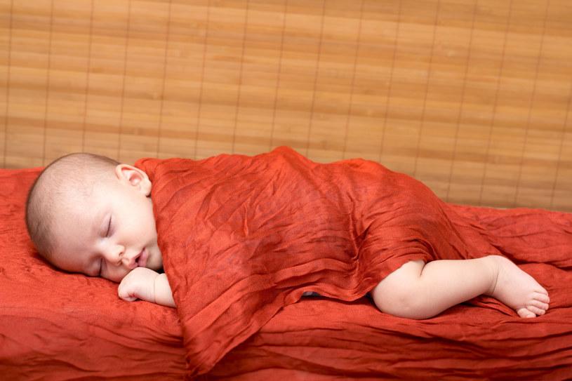 Noworodki potrafią naprawdę wiele. Rodzą się wyposażone w cały zestaw umiejętności /123RF/PICSEL