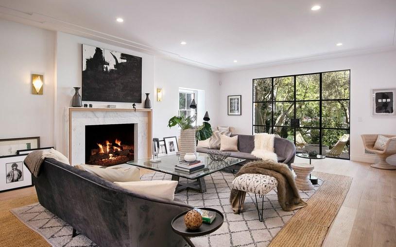 Nowy dom Bieberów to sporych rozmiarów przestrzeń, która została stylowo urządzona /IMP Features /East News