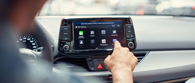 Nowy Hyundai i30 współpracuje z systemami Android Auto i CarPlay /materiały prasowe
