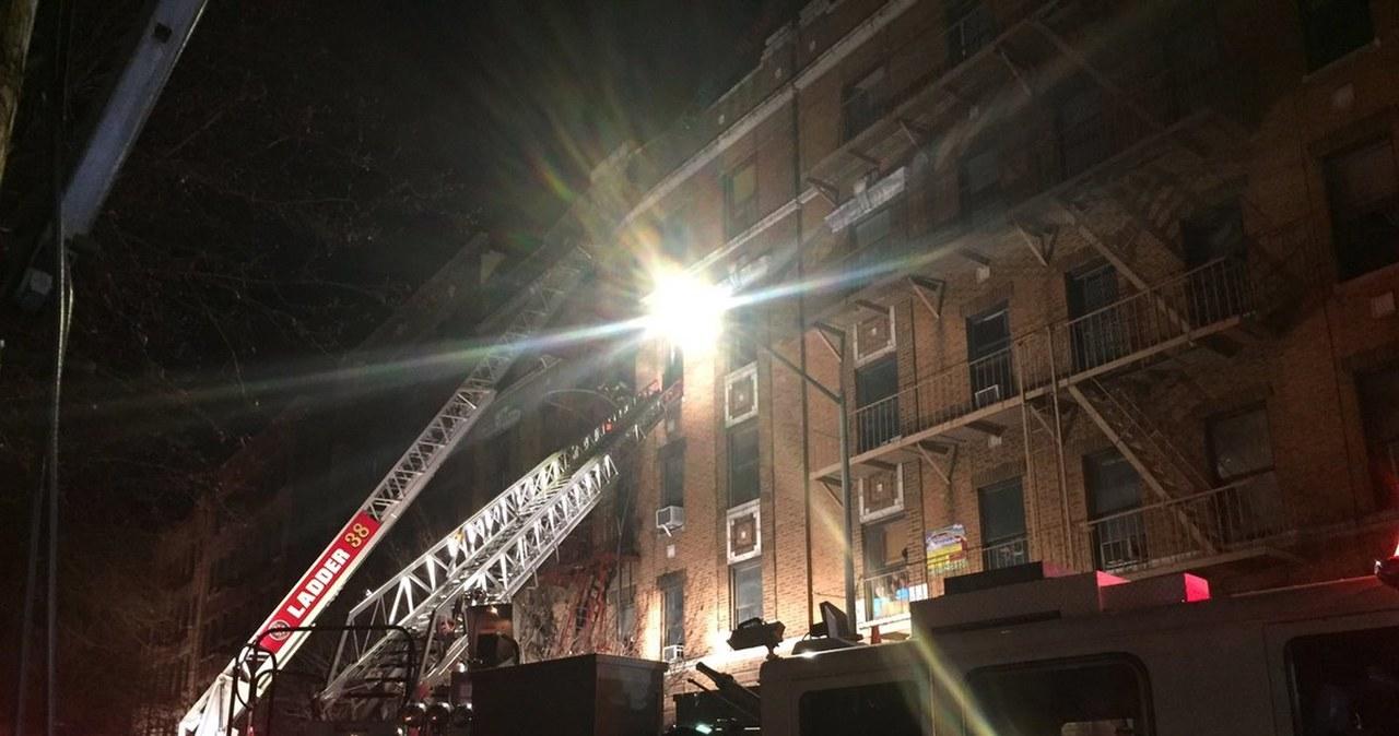 Nowy Jork: 12 ofiar pożaru w bloku