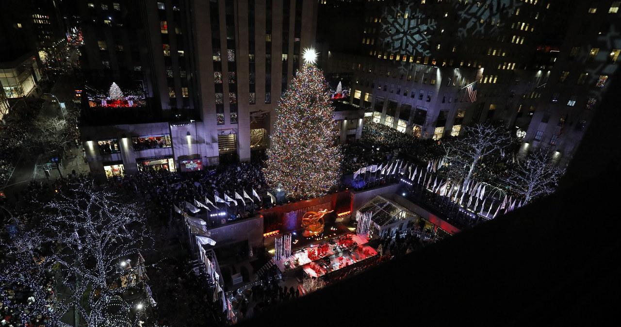 Nowy Jork: 50 tys. świateł na choince przed Centrum Rockefellera
