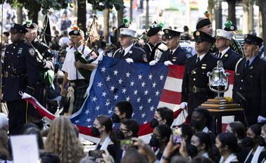 """Nowy Jork czci ofiary zamachów z 11 września. """"Zawsze będą w naszych sercach i pamięci"""""""
