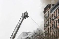 Nowy Jork: Eksplozja i pożar w bloku