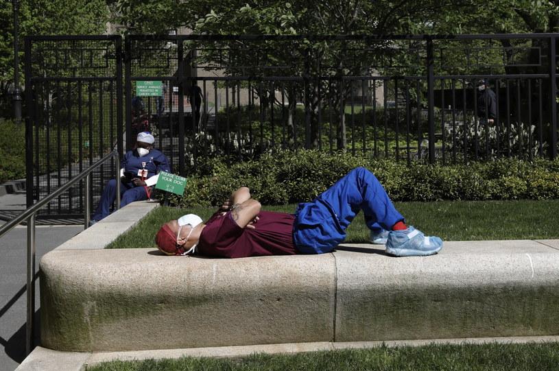 Nowy Jork: Nowe środki ostrożności przed COVID-19 w parkach /Peter Foley /PAP/EPA