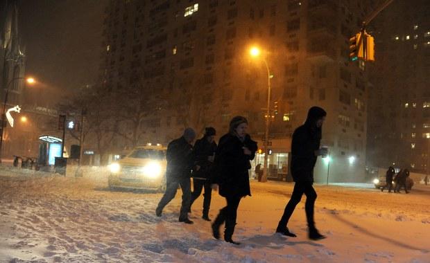 Nowy Jork pod śniegiem, w New Jersey klęska żywiołowa