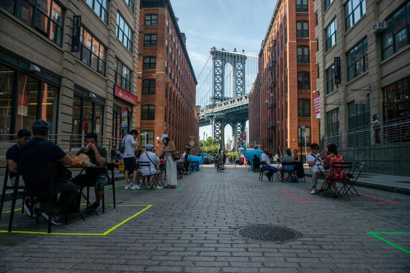 Nowy Jork pogrąża się w najgorszym od 50 lat kryzysie gospodarczym / Alexi Rosenfeld /Getty Images